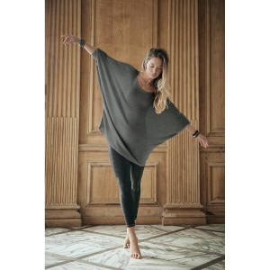 pull ample gris taille unique<br>by Ginette NY