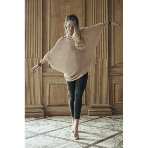 pull ample nude taille unique<br>by Ginette NY